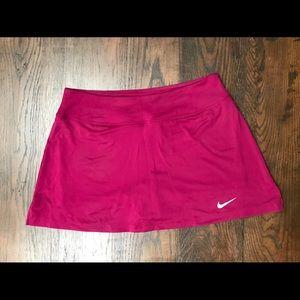 Nike tennis golf skirt skort. Magenta. Great cond!